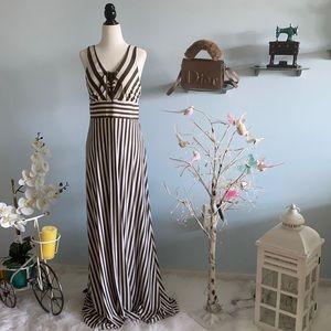 striped long dress , V-neck & back